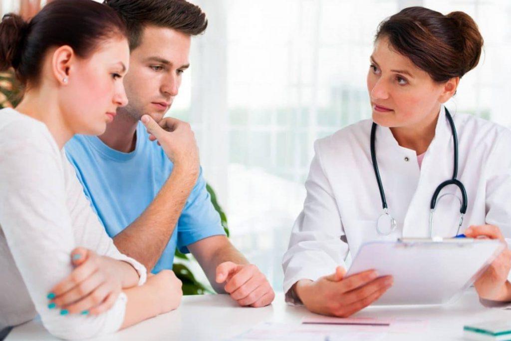 esterilidad de origen desconocido - pareja en la consulta